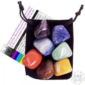 Kit d'équilibrage des pierres - 7  chakras avec pochette en velours